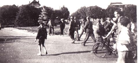 Prisonnier américain emmené par l'armée allemande
