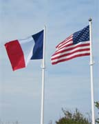 Drapeaux français et américain - © armées.com
